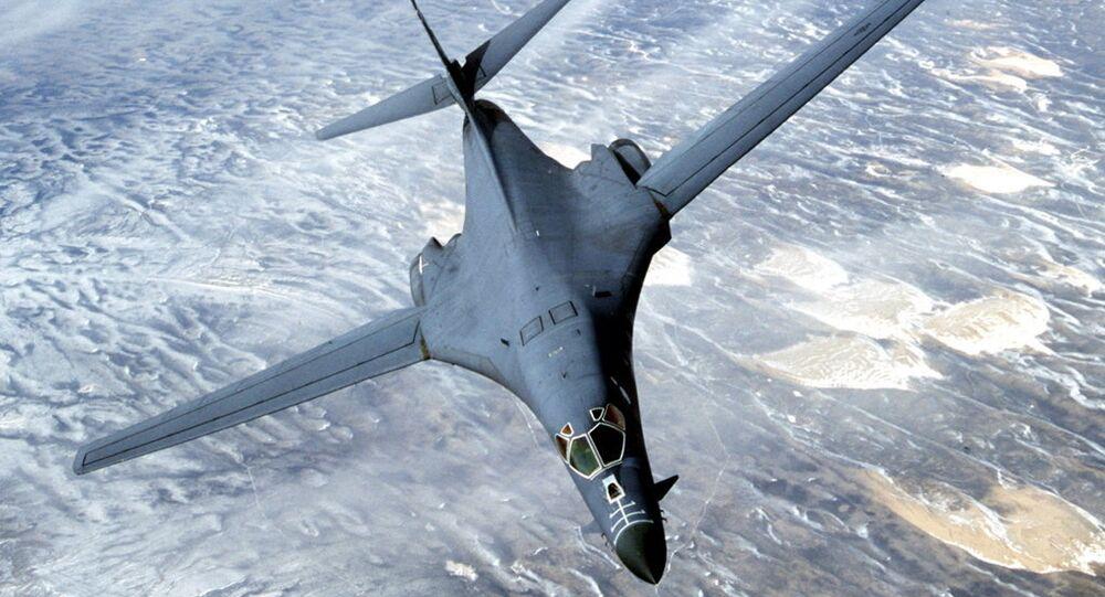 Naddźwiękowy bombowiec B-1B Lancer