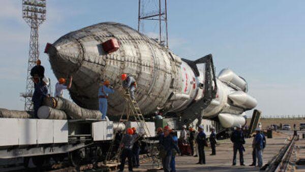 Rakieta nośna Proton-M na kosmodromie Bajkonur w Kazachstanie - Sputnik Polska