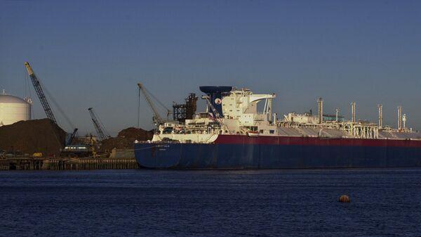 Amerykański tankowiec do przewozu skroplonego gazu ziemnego w Massachusetts - Sputnik Polska