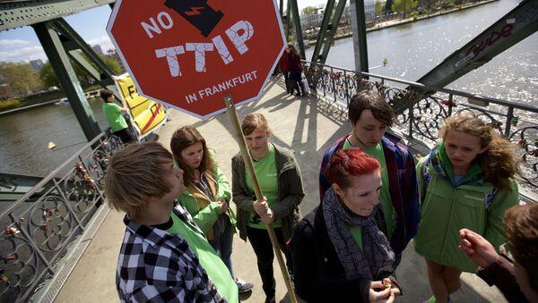Protest przeciwko TTIP w Niemczech - Sputnik Polska