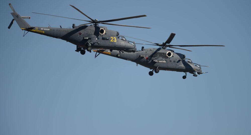 Śmigłowce Mi-35 na pokazie lotniczym w Achtubinsku