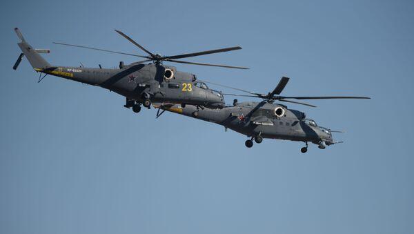 Śmigłowce Mi-35 na pokazie lotniczym w Achtubinsku - Sputnik Polska