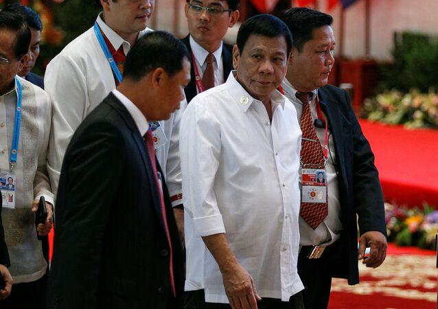 Prezydent Filipin Rodrigo Duterte na szczycie ASEAN w Laosie