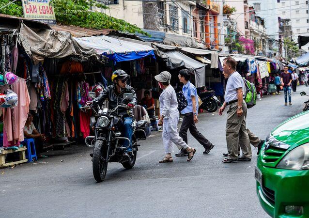 Targ na jednej z ulic w Ho Chi Minh