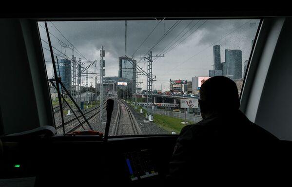 Przygotowania do otwarcia Moskiewskiego Centralnego Pierścienia - Sputnik Polska