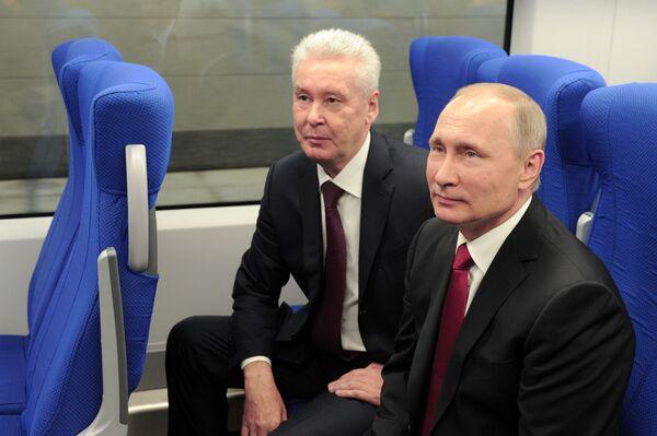 Prezydent Rosji Władimir Putin uczestniczy w otwarciu Moskiewskiego Centralnego Pierścienia - Sputnik Polska