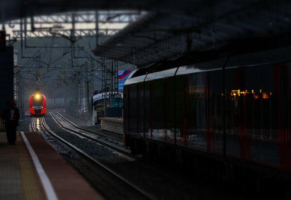 Pociąg Moskiewskiego Centralnego Pierścienia - Sputnik Polska
