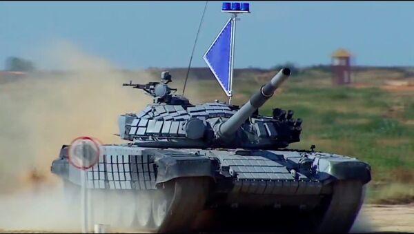 """WIDEO. """"Armata"""" w akcji. Pełna krasy i nieustępliwa - Sputnik Polska"""