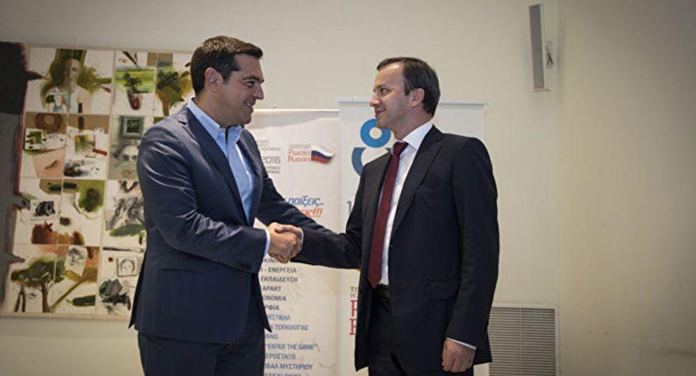 Premier Grecji Aleksis Tsipras i wicepremier Rosji Arkadij Dworkowicz