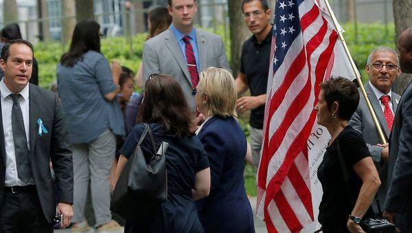 Problemy zdrowotne zmusiły Clinton do opuszczenia uroczystości w Nowym Jorku - Sputnik Polska
