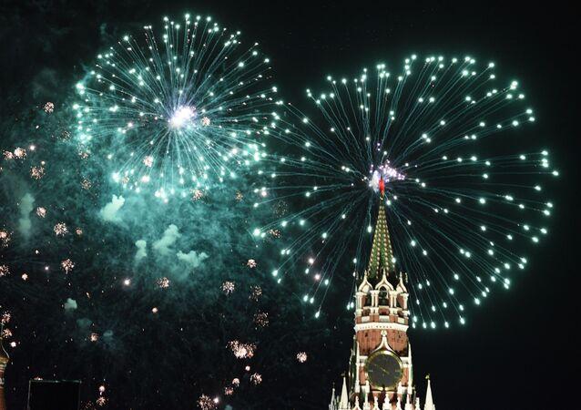 Pokaz fajerwerków nad Placem Czerwonym