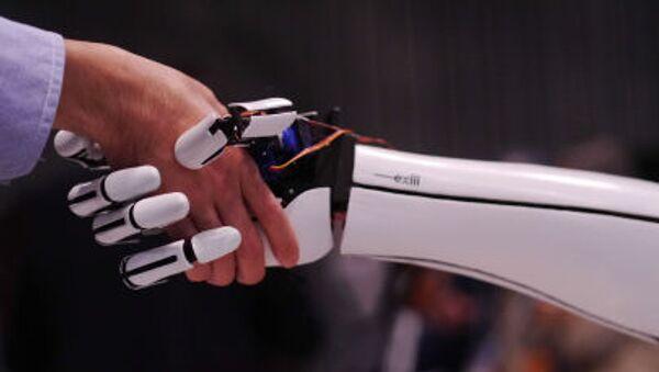 Proteza ręki japońskiej firmy Exiii - Sputnik Polska