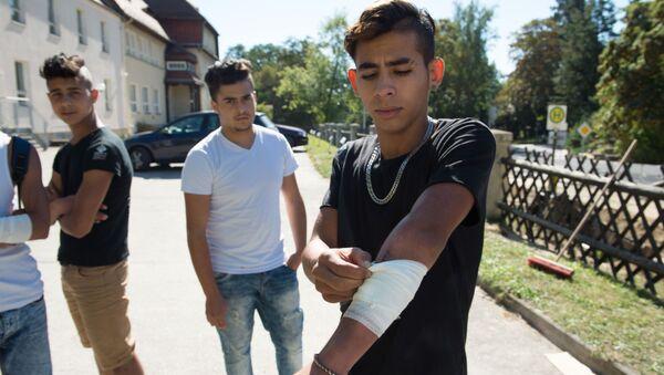 W bójce na wschodzie Niemiec uczestniczyło ok. 20 niepełnoletnich uchodźców - Sputnik Polska