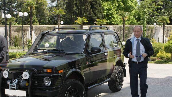 """Władimir Putin pokazał w Soczi swój samochód """"Niva, 2009 rok. - Sputnik Polska"""