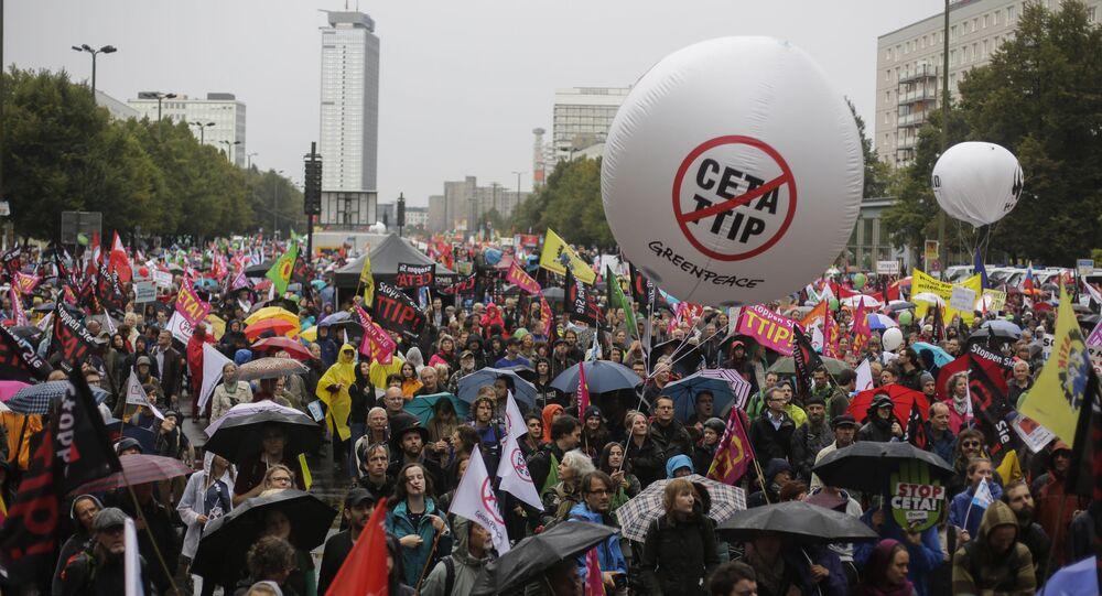 Niemcy: masowe protesty przeciwko TTIP i CETA