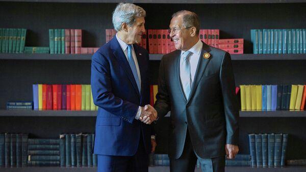 Minister MSZ Rosji Siergiej Ławrow i sekretarz stanu USA John Kerry - Sputnik Polska