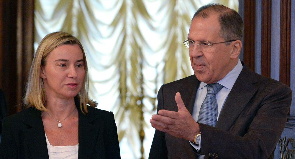 Siergiej Ławrow i Federica Mogherini