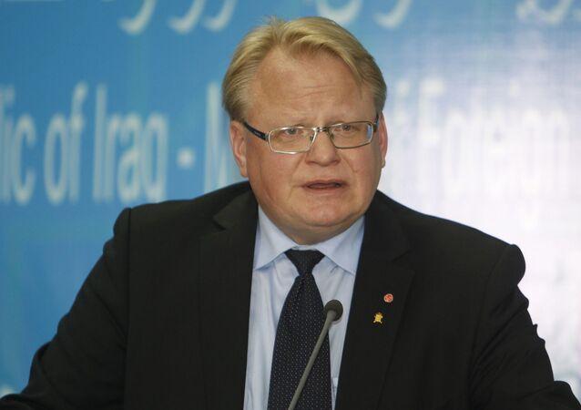 Minister obrony Szwecji Peter Hultqvist