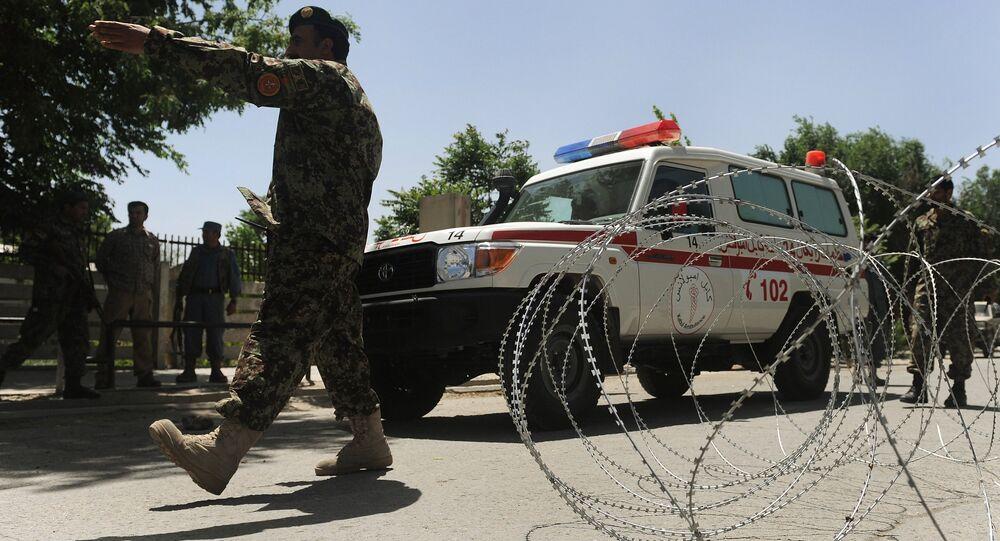 Wojskowi i karetka pogotowia w Afganistanie