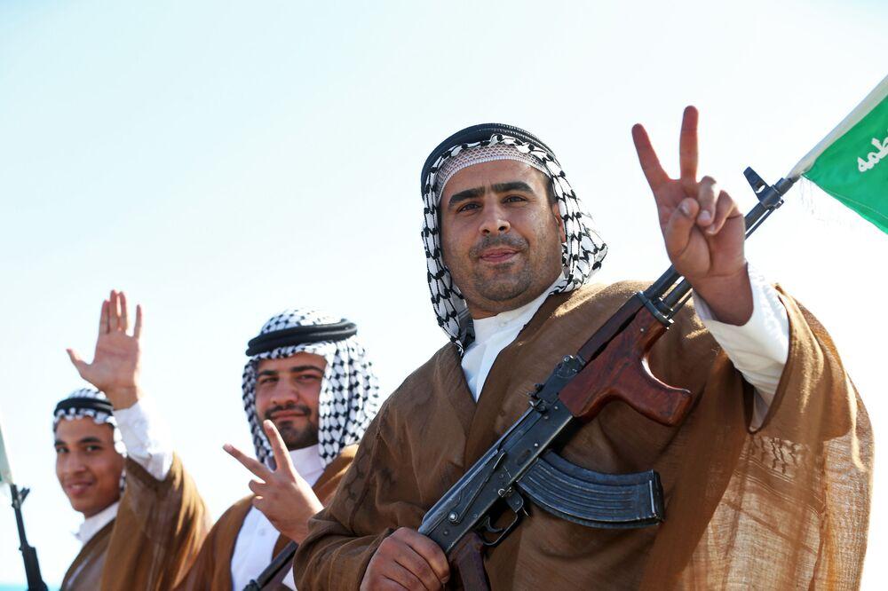 Czonkowie Związku Mobilizacji Uciemiężonych (potocznie Basidż),ochotniczej organizacja paramilitarnej utworzonej w Iranie po rewolucji islamskiej