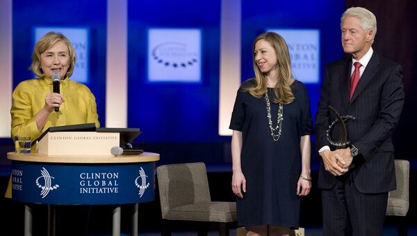 Hillary Clinton, Bill Clinton i Chelsea Clinton - Sputnik Polska