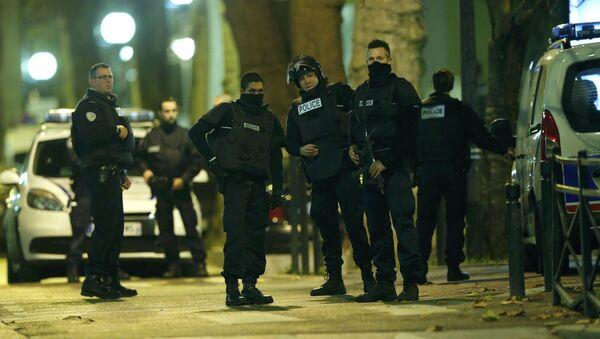 Operacja specjalna francuskiej policji pod Paryżem - Sputnik Polska
