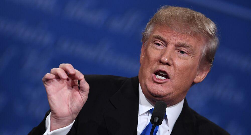 Kandydat na urząd prezydenta USA Donald Trump podczas debaty w Nowym Jorku