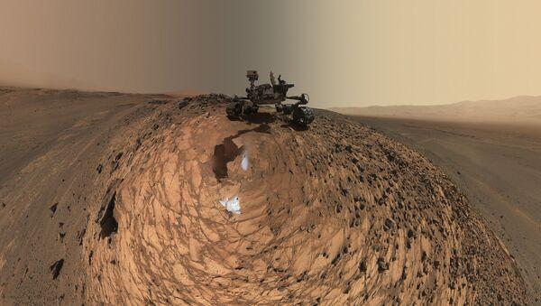 Łazik Curiosity na Marsie - Sputnik Polska