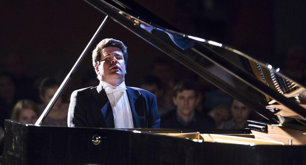Denis Macujew
