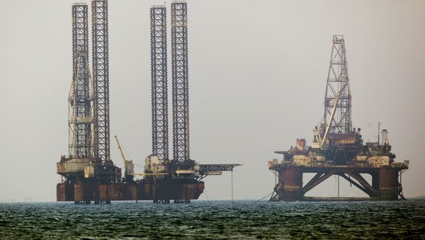 Platformy wiertnicze na Morzu Kaspijskim - Sputnik Polska