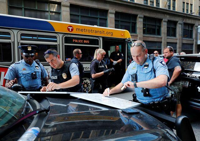 Policja w Minneapolis