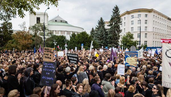 Protest pod Sejmem, 01.10.2016 - Sputnik Polska