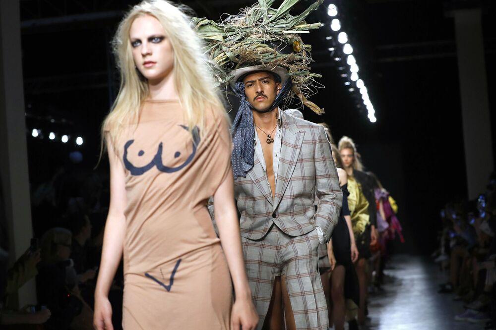 Pokaz kolekcji Vivienne Westwood w Paryżu