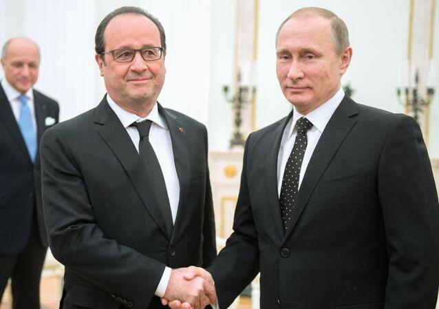 Prezydent Francji Francois Hollande i prezydent Rosji Władimir Putin