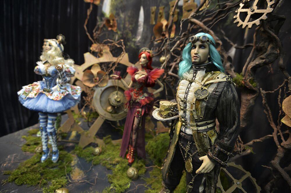 Lalki na 12 międzynarodowej wystawie Salon lalki autorskiej w Moskwie