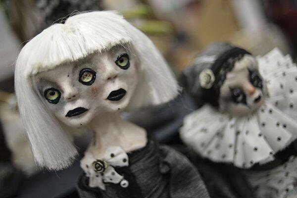 Lalki na 12. Międzynarodowej Wystawie Salon Lalki Autorskiej w Moskwie - Sputnik Polska