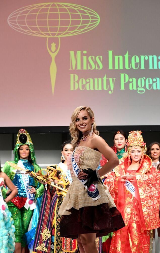 Miss Nowej Zelandii Jessica Tyson podczas konkursu Miss International Beauty Pageant 2016 w Tokio