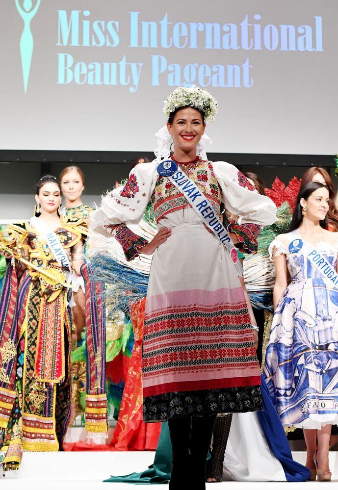 Miss Słowacji podczas konkursu Miss International Beauty Pageant 2016 w Tokio