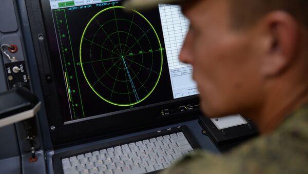 Mobilny sztab w naziemnym wielofunkcyjnym module zakłóceń Krasucha-4 - Sputnik Polska