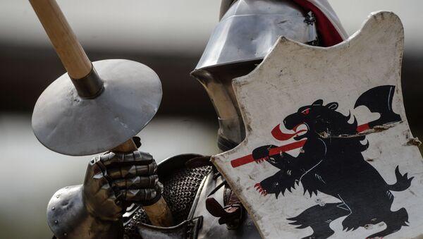 W Teodozji odbędzie się dziś prawdziwy turniej rycerski z pokazem kostiumów i kunsztu posługiwania się bronią średniowieczną - Sputnik Polska