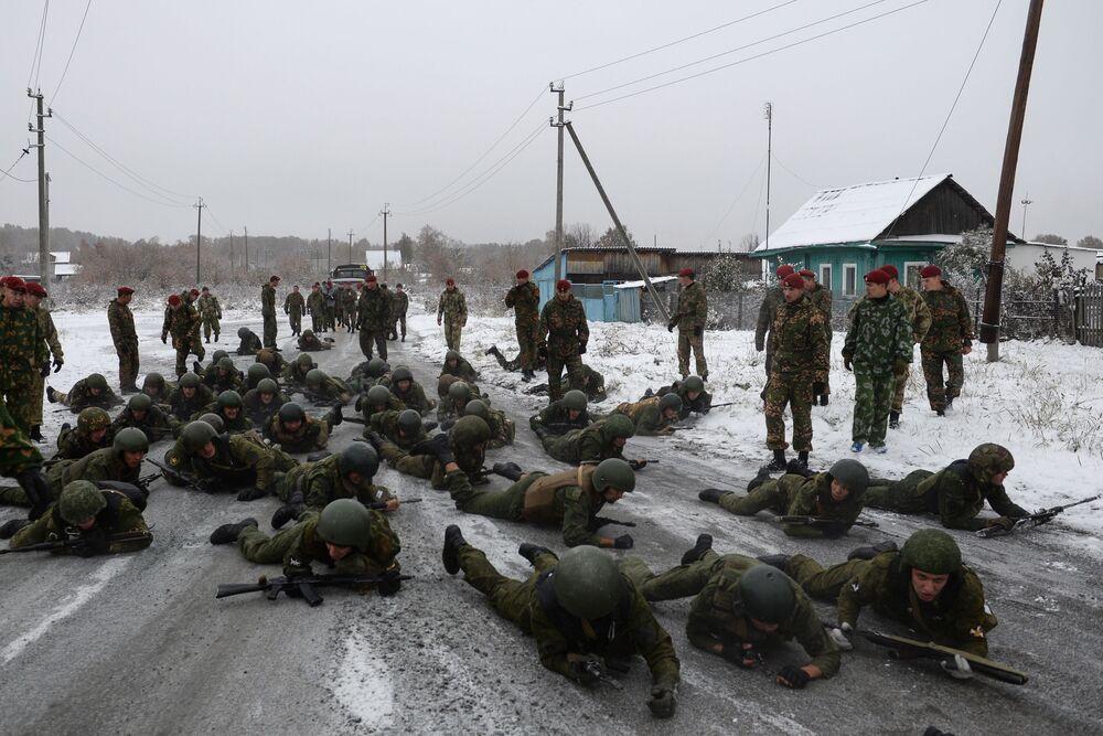 Trzy uwagi i żołnierz traci prawo do dalszych testów, dlatego tu walczą nie tylko o siebie, ale i o współtowarzyszy.