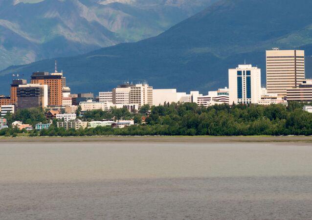 Miasto Anchorage  w stanie Alaska nad Zatoką Cooka