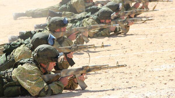 Dla rosyjskich żołnierzy te ćwiczenia są jednym z pierwszych doświadczeń w organizowaniu wspólnych szkoleń jednostek wojsk powietrznodesantowych przez oba kraje w Afryce. - Sputnik Polska