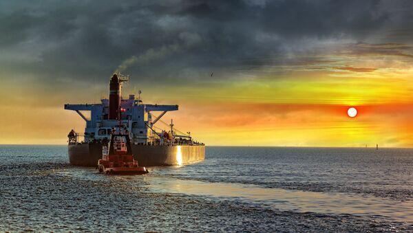 Tankowiec na morzu - Sputnik Polska