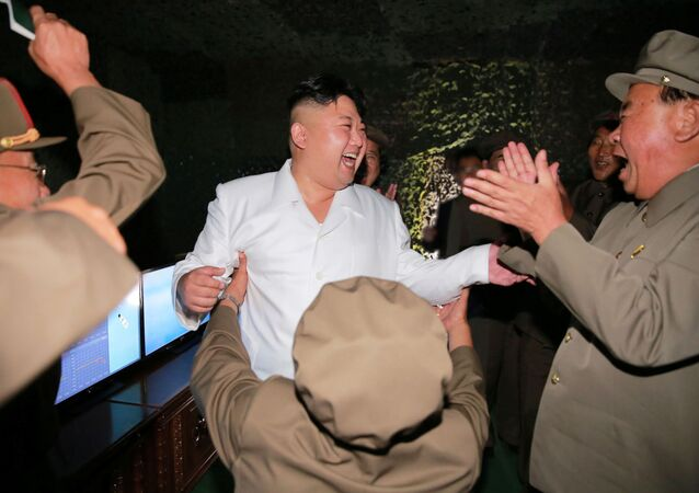 Kim Dzong Un podczas testów rakietowych