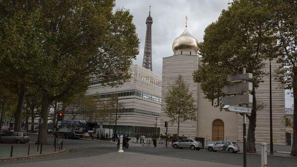Po kłótniach z władzami Paryża na brzegu Sekwany, w pobliżu Wieży Eiffla otwarto rosyjskie centrum duchowo-kulturalne - Sputnik Polska