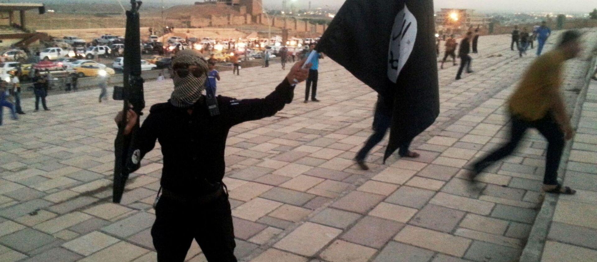 ISIS zabiło prawie 300 mężczyzn i chłopców w Mosulu - Sputnik Polska, 1920, 13.02.2021