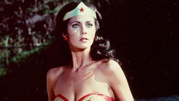 Kadr z amerykańskiego serialu Wonder Woman z lat 1975 - 1979 - Sputnik Polska