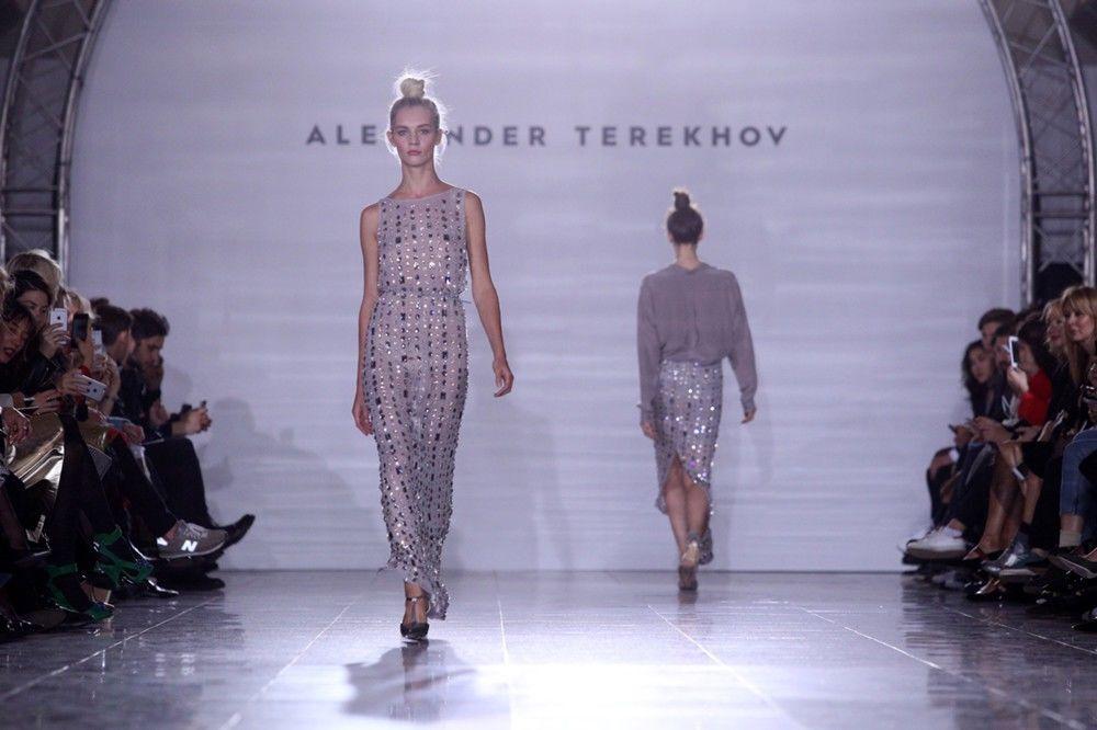 Od 2006 roku projektant regularnie uczestniczy w Tygodniu mody w Nowym Jorku.