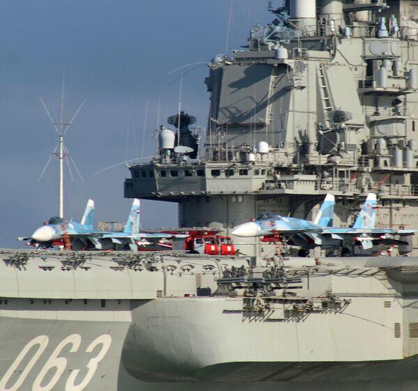 """Wyposażenie lotniskowca """"Admirał Kuzniecow"""" składa się z samolotów pokładowych Su-33 i Su-25 a także śmigłowców Ka-27/Ka29. - Sputnik Polska"""